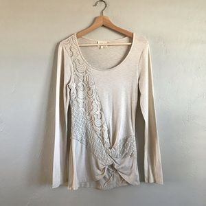 🛍 3 for $25 ! Deletta Lace Long Sleeve T-Shirt